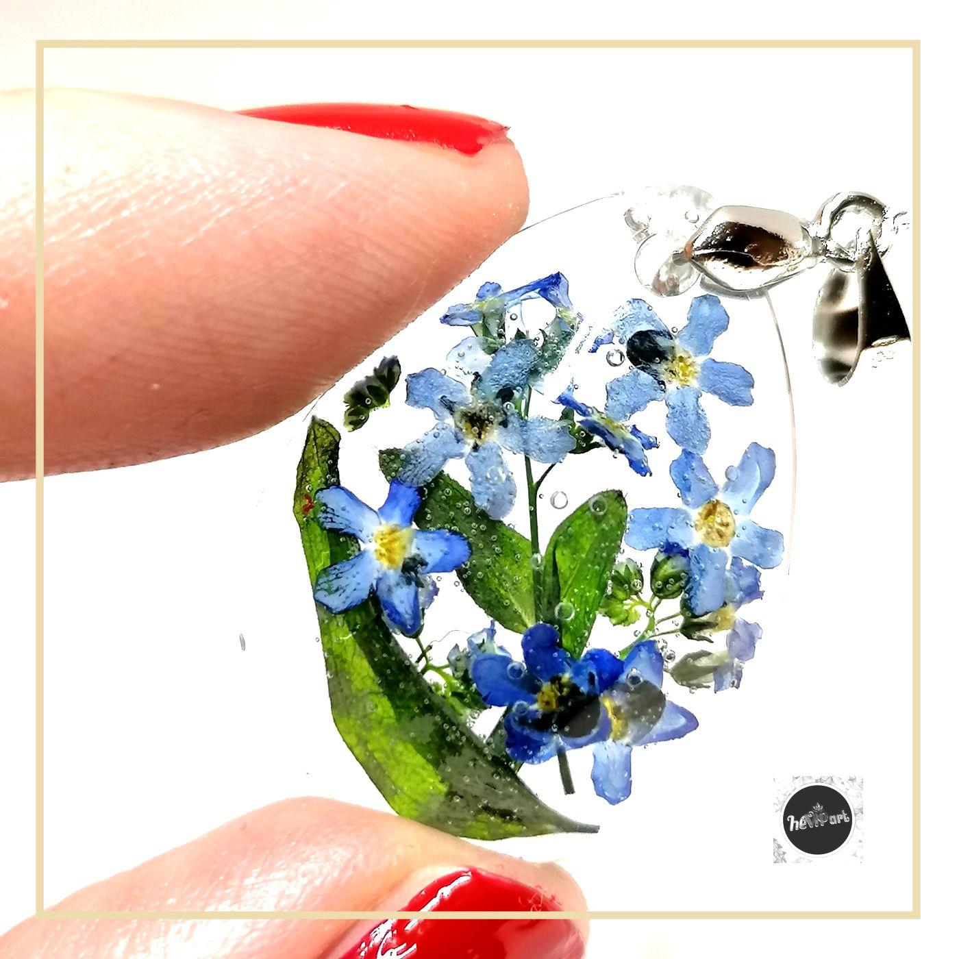 Valódi kék nefelejcses gyanta CSEPP medál nyakláncként vagy kulcstartóként felszerelve